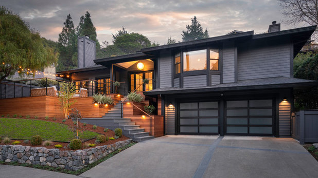 Contemporary Exterior by SINGLEPOINT DESIGN BUILD INC.