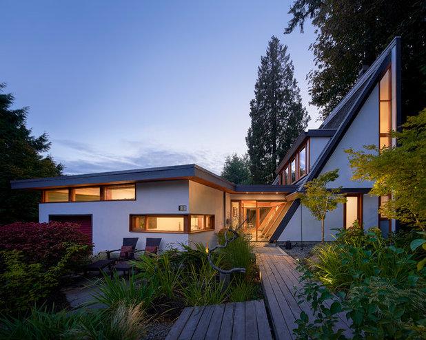 Midcentury Exterior by Lanefab Design/Build