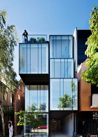 Современный Фасад дома by Matt Gibson Architecture + Design