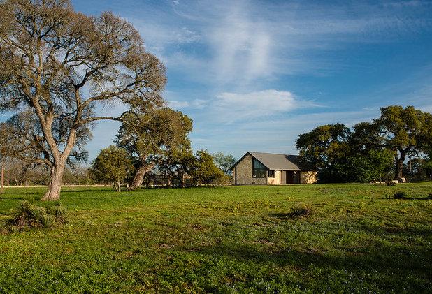 Farmhouse Exterior by Jobe Corral Architects