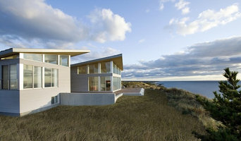Modern Beach Home Waterviews