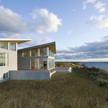 Modern Beach Home Waterviews