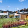 Houzz Tour: Modern Style for a Massachusetts Blueberry Farm
