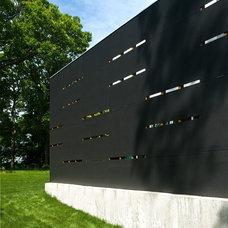 Modern Exterior by Bates Masi Architects LLC