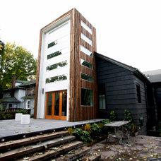 Modern Exterior by bright designlab