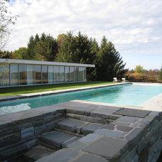 Modern Pool by Bushman Dreyfus Architects