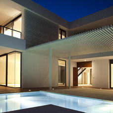 Modern Exterior by dom arquitectura