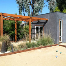 Modern Exterior by Outer space Landscape Architecture