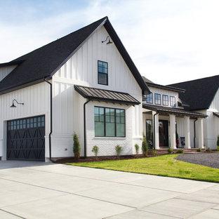 Inspiration for a cottage exterior home remodel in Salt Lake City
