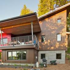 Modern Exterior by Bicycle Homebuilding Company