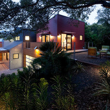 Contemporary Exterior by Geoffrey Butler Architecture & Planning