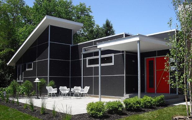 Midcentury Exterior by r.o.i. Design