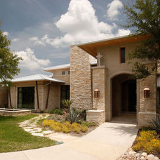 Modern Exterior by Braswell Homes Inc