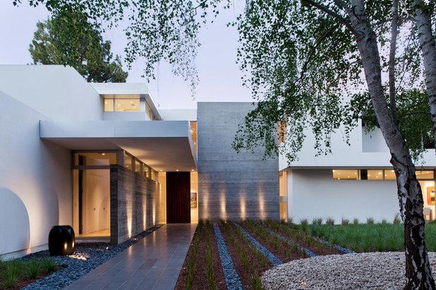 Moderno Fachada by Lencioni Construction
