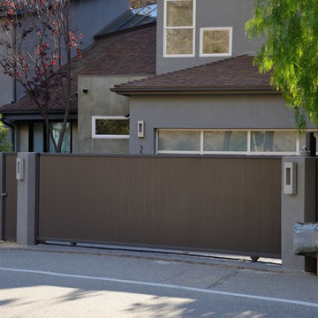 Modern sliding gate