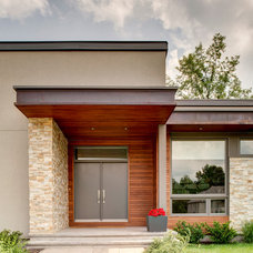Contemporary Entry by Maple Leaf Custom Homes