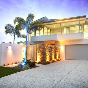 Photo of a contemporary two-storey exterior in Brisbane.