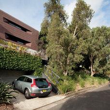 Contemporary Exterior by Dale Jones-Evans Pty Ltd Architecture