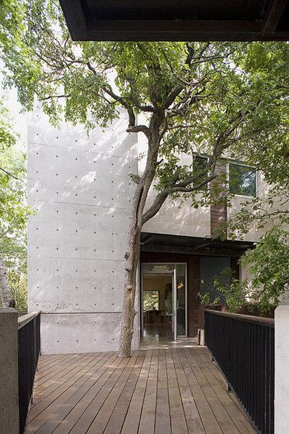Modern Entry by Dick Clark + Associates