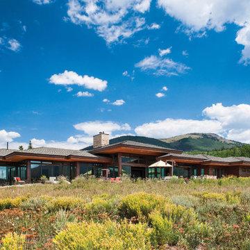 Mountain Modern Log Home: The Hahn's Peak Residence - Exterior