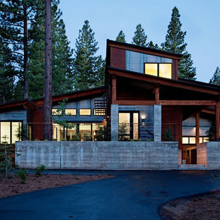 Inspiration for a mid-sized contemporary two-story concrete exterior home remodel in Sacramento