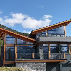 contemporary exterior by Gaulhofer Windows
