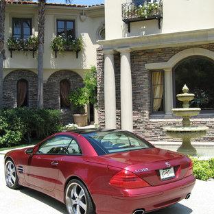 Immagine della facciata di una casa classica