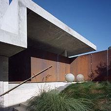 Modern Exterior   Mussel Shoals House  