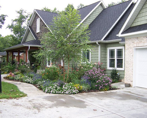 Front flower bed design ideas remodel pictures houzz for Craftsman landscape design ideas