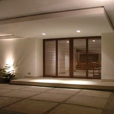 Modern Exterior by Living Creatively with Flory