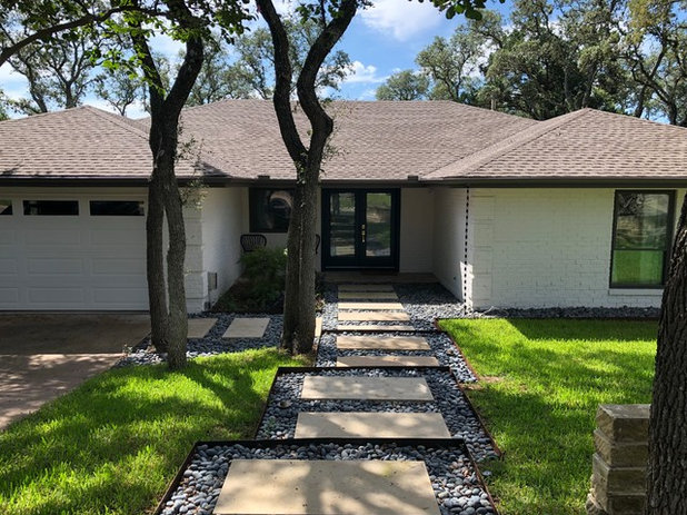 Exterior My Houzz: 1970s Texas Ranch House Gets a Boho Update