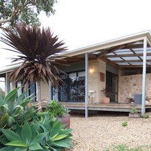 My Houzz: Artist's Home Weathers the Aussie Elements