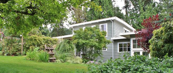 Farmhouse Exterior by Kimberley Bryan