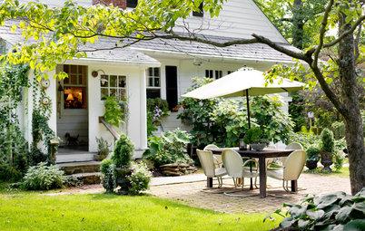 My Houzz: Lush Landscaping Creates an Idyllic, Personalized Garden