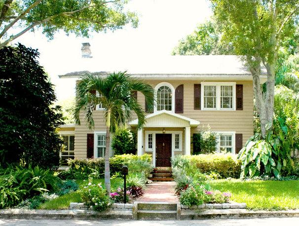 Traditional Exterior by Mina Brinkey