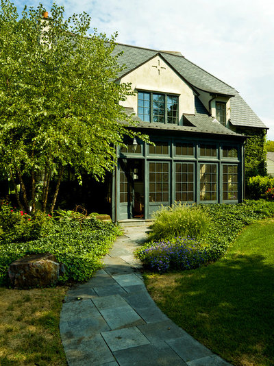 Traditional Exterior My Houzz: English Cottage Style Graces a Home Bathed in Light