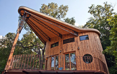 My Houzz: A Reclaimed Wood House Rises From the Trees