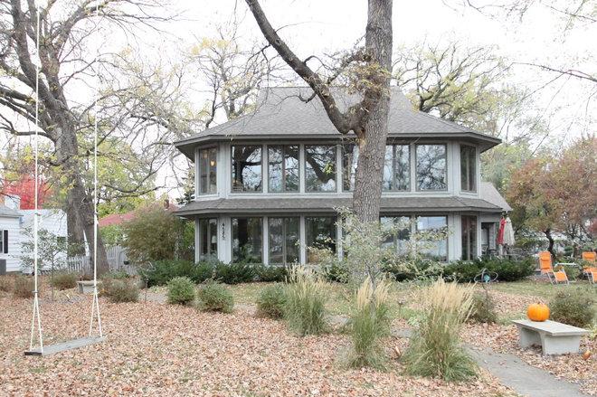 Eclectic Exterior by Sara Ballinger - 1130 Creative, LLC