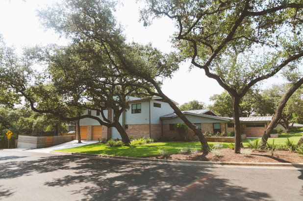 Midcentury Exterior by Heather Banks