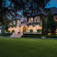Traditional Exterior by Rosewood Custom Builders