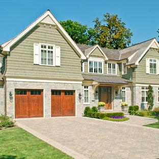 Стильный дизайн: двухэтажный, зеленый дом в классическом стиле - последний тренд