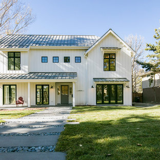 Modern exterior home idea in Denver