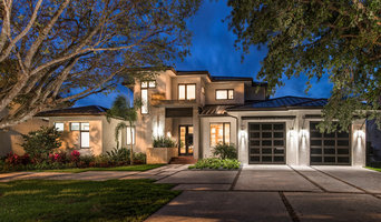 NAPLES CUSTOM WATERFRONT HOME