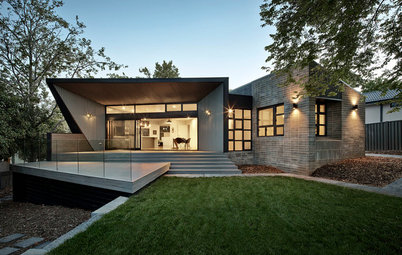 Houzz Tour: Peaceful Canberra Home Welcomes the Winter Sun