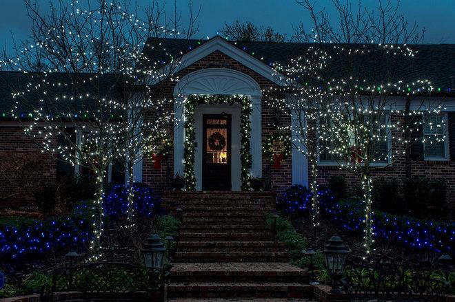 Exterior by Light Up Nashville
