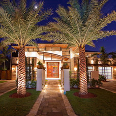 Tropical Exterior by azdhomes
