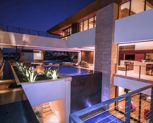 Modern las vegas exterior home design ideas remodels photos for Modern home decor las vegas