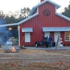 Farmhouse Exterior by Foshee Design & Construction, LLC