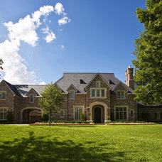Traditional Exterior by Gage Homes Inc.