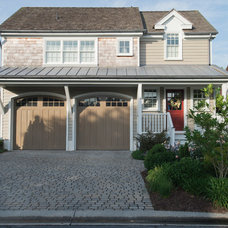 Beach Style Exterior by Dewson Construction Company